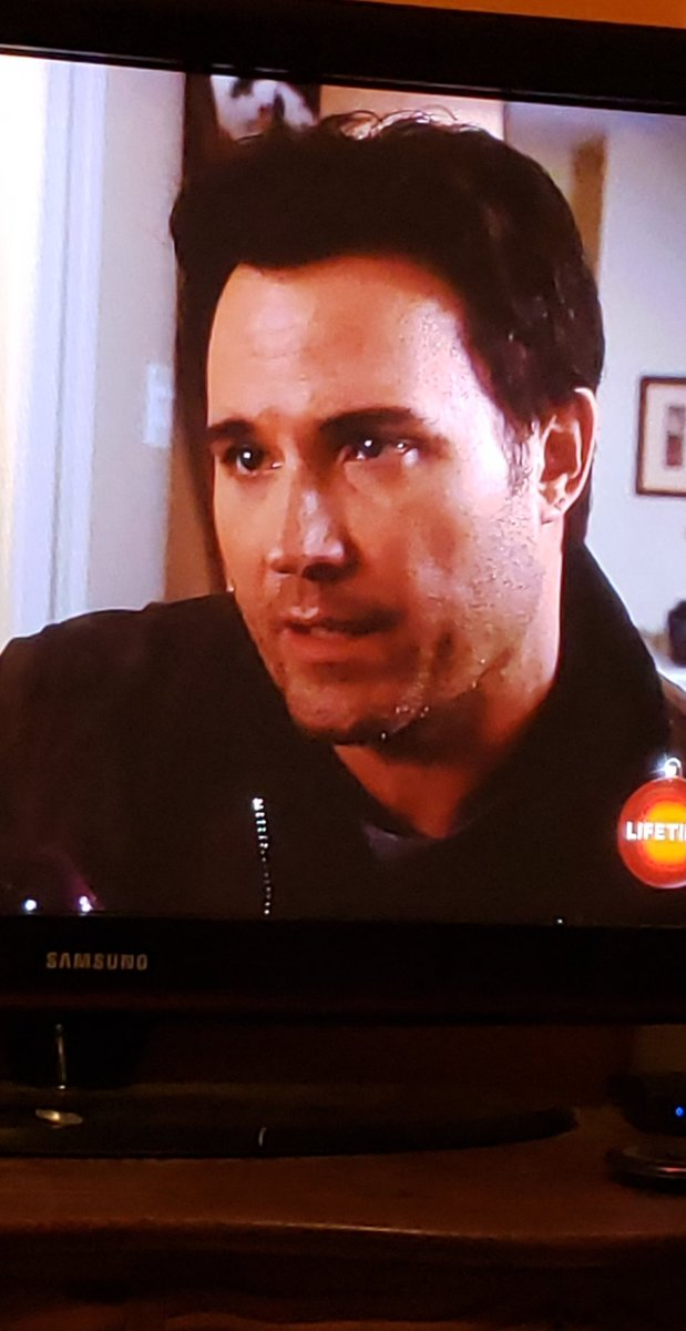 @DavidHaydnJones is and always will be my favorite DHJ movie.  Have followed you since you had less than 100 followers.  Someday, I hope I get to meet you, someway.  #Alwaysholsingouthope #Thanksforitall #MyDearSantacrush https://t.co/rbu6tEFW63