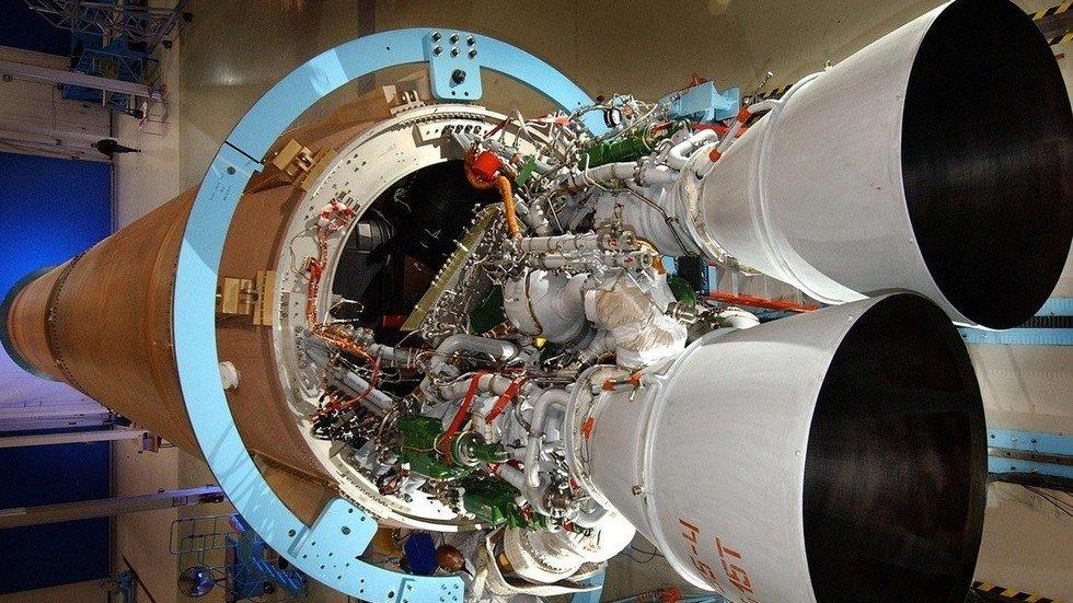 В НПО Энергомаш завершила работу комиссия по приемке очередной партии ракетных двигателей РД-180, изготовленных на предприятии — roscosmos.ru/26985/ 🚀 Представителями компаний Pratt&Whitney, United Launch Alliance, РД АМРОСС подписаны формуляры на три товарных двигателя