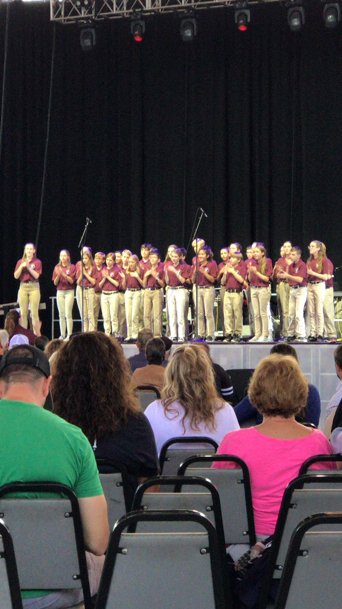 PPHC performing at the fair! @HeritageMiddle1 #theheritageway <br>http://pic.twitter.com/jtOinChAaw