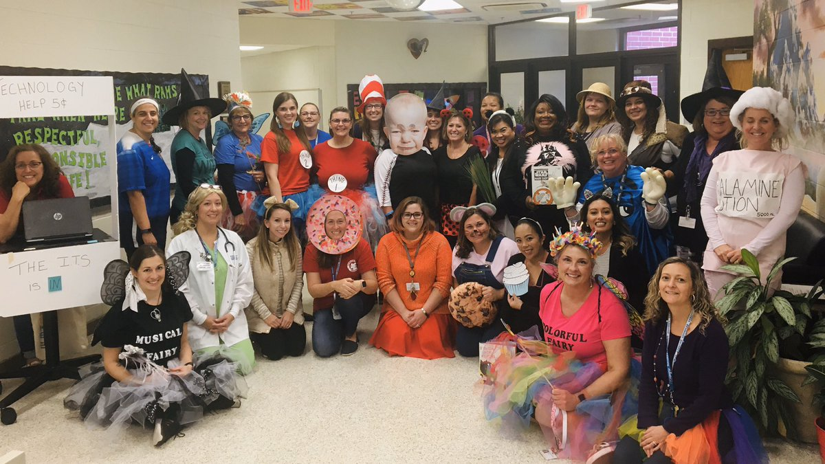 Our amazing @SalemESVB team celebrating Our SCA Costumes for a Cause event. #SalemRams