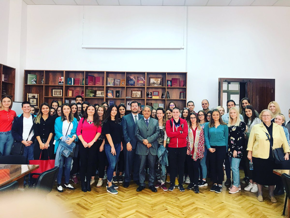 The Embassy organized today, in collaboration with the #Faculty of #Phililogy of #Belgarde, a Conference on #Morocco's Management of multilingualism, for the students of the #Arabic and #Oriental_Studies Department, with Prof. Mohamed El Medlaoui. @MarocDiplomatie @filoloskifax https://t.co/BmQsIYoLUg