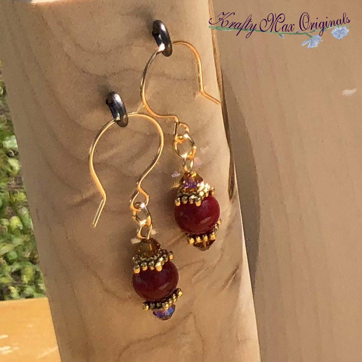 Warm Red/Orange Gemstone Necklace Set with Swarovski Crystals $43  #handmade #jewelry #supporthandmade #buyhandmade #handmadelove #jewelrydesigner #jewelryart #uniquejewelry #handcrafted #kraftymax #kmax