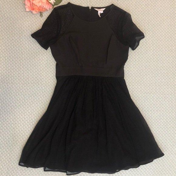 So good I had to share! Check out all the items I'm loving on @Poshmarkapp from @Renee64251992 #poshmark #fashion #style #shopmycloset #bcbgeneration #banannarepublic #tahariasl: https://posh.mk/tesHr418TZpic.twitter.com/3vAcECGZ6S