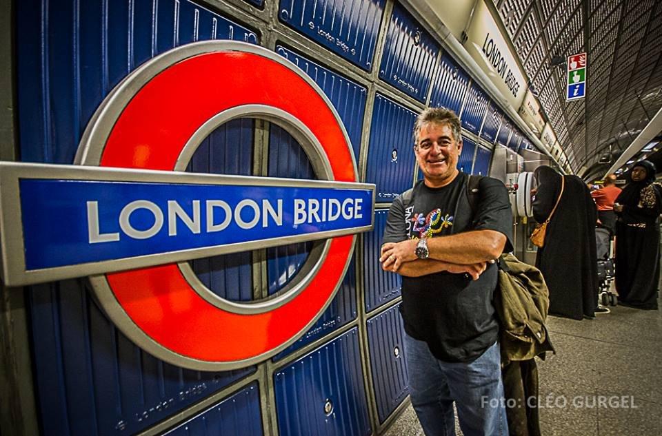 Há alguns anos, flanando pelo Metro de Londres para fotografar as cores do Império Britânico! #london #england #europe #eurotrip #londonsubway #londonbrigdge #alexinlondon #alexgurgelnaeuropa #engenhodefotos #engenhonaestrada #fotografia #RN ##soupotiguar #riograndedonorte