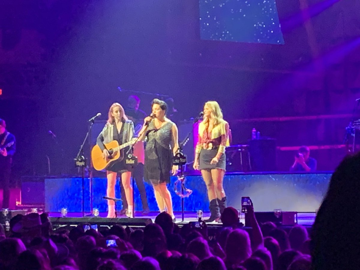 Facebook reminded me this morning that a year ago tonight I was seeing the Pistol Annies at the Ryman! I think tonight officially qualifies it as an annual tradition... #RoadsideBarsandPinkGuitars #PistolAnnies #HellonHeels #SugarDaddy #BestYearsofMyLife