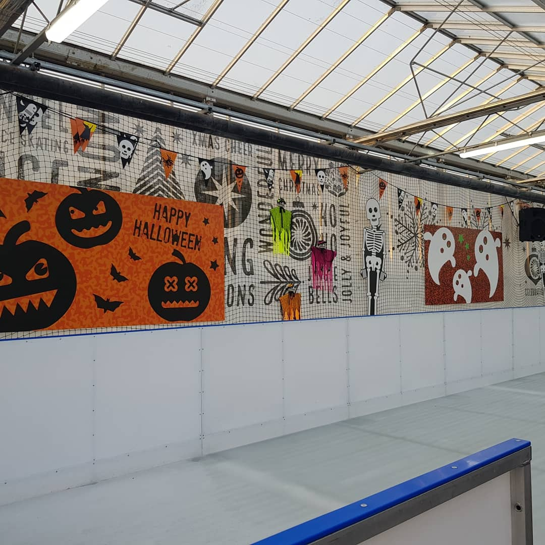 READY STEADY SKATE! Book 1/2 price skating now! 🎃⛸ A great day out! #getyourskateson #openday #iceskating #kidsdayout #northamptonmumsandtots #northamptonmums #familydayout #fun #halloween #weekend #rainyday #skate #lunch #goodtogetout