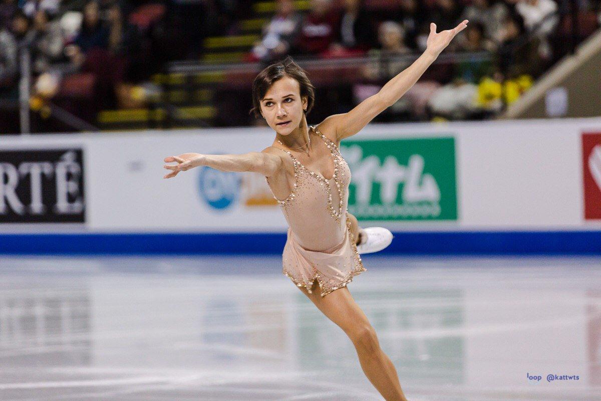 GP - 2 этап. Skate Canada International Kelowna, BC / CAN October 25-27, 2019 - Страница 14 EHyoxH_U0AEAAYc?format=jpg&name=large