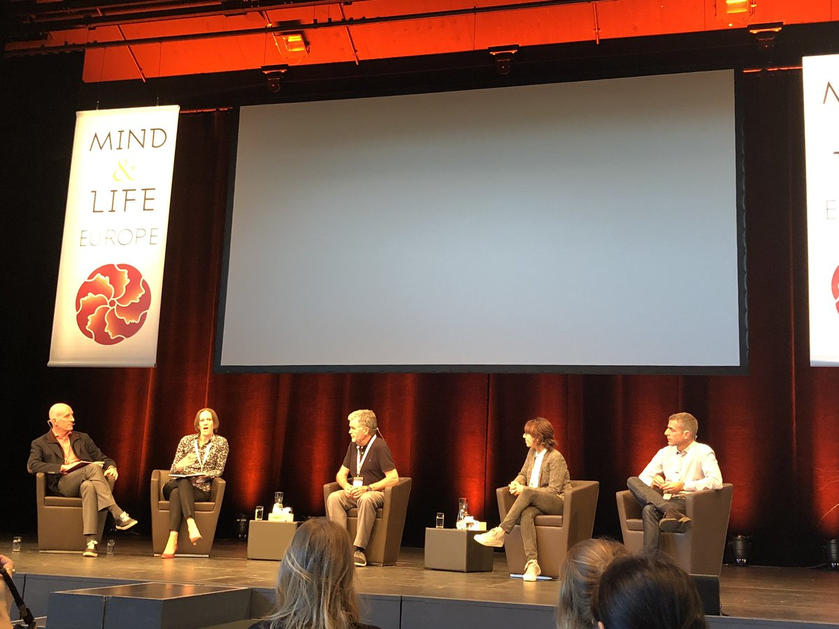 A very engaging nutrition panel discussion at the Contemplative Science Symposium, with @EstherPapies. @MindandLifeEU #css19 #beyondconfines #mindandlifeeu https://t.co/LZgNvdylzz