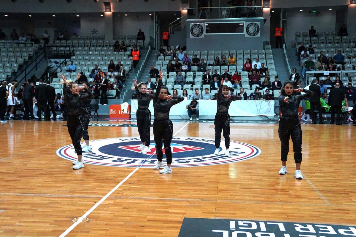 Maçlarımızda sadece destekleriyle değil muhteşem danslarıyla da yanımızda olan Darıca Kampüsü, Maltepe Kampüsü ve tabii ki BAU Red Dragons K-POP dans ekibine çok teşekkür ederiz.  #Bizbahçeşehiriz #BuBirAşkMeselesi https://t.co/dz7IKztRSz