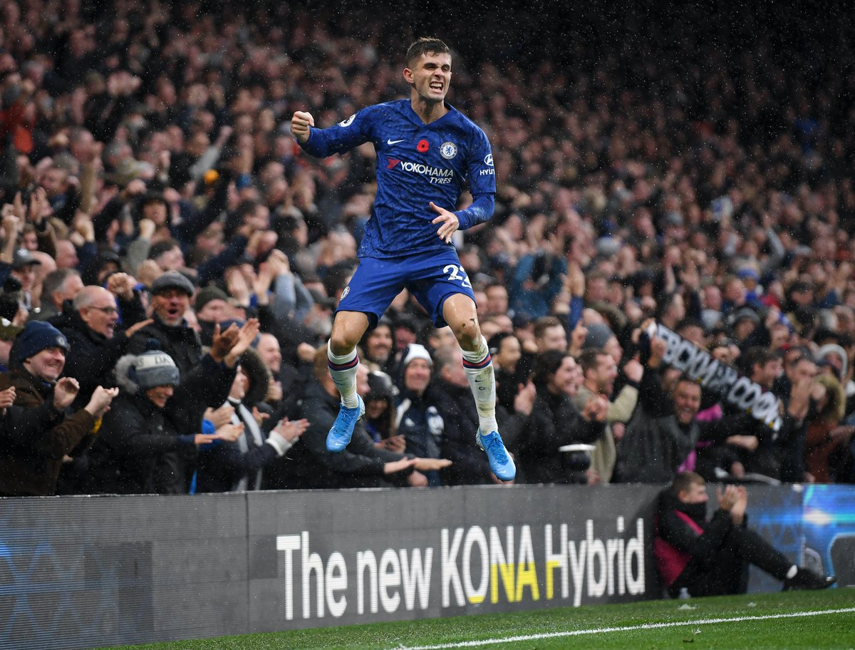 .@cpulisic_10 flying high after his first goal at Stamford Bridge! 👏