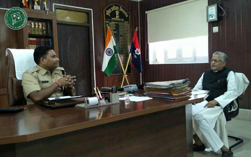 उठेगा सीमांचल। बदलेगा सीमांचल। आगे बढ़ेगा सीमांचल। @aimim_national Kishanganj MLA Qamrul Hoda held a meeting with Superintendent of Police Kishanganj, yesterday, over law and order.
