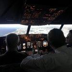 In de cockpit: samenwerken of samen werken? Teambuilding met onze KOBUS>NL partners. Kijkje achter de schermen bij Schiphol. #vastgoedonderhoud #partnersvoorgebouwen https://t.co/8COSQyERmN