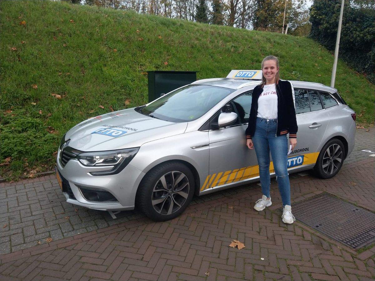 test Twitter Media - Nina Plaisier van harte gefeliciteerd met het behalen van je rijbewijs! #2todrive https://t.co/QRdMRcgMM2