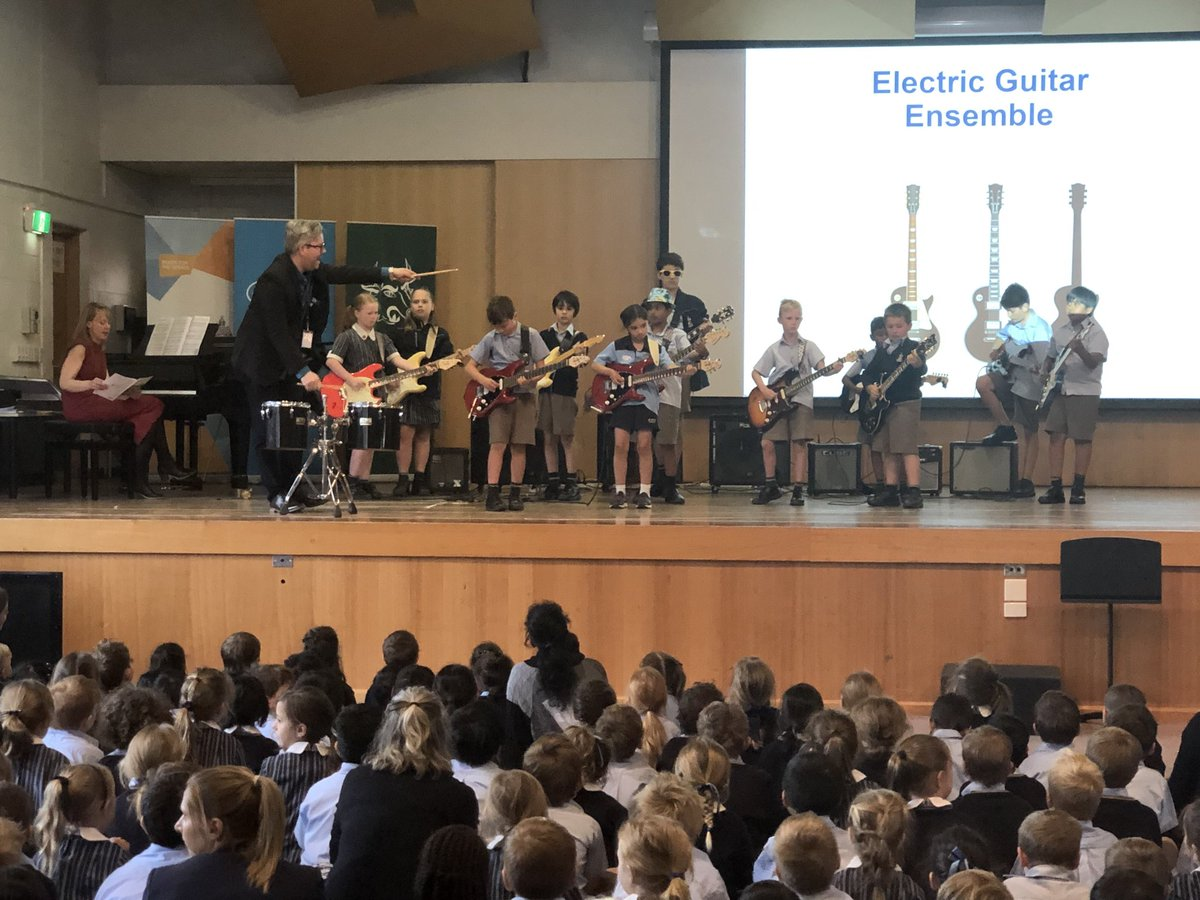 Assemblies were never this cool when I was in Primary School - congrats to Junior Electric Guitar Ensemble at ⁦@CanberraGrammar⁩ Southside Assembly today!