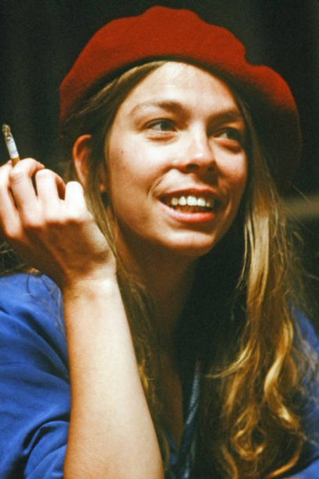 Happy Birthday to American singer songwriter Rickie Lee Jones, born on this day in Chicago, Illinois in 1954.