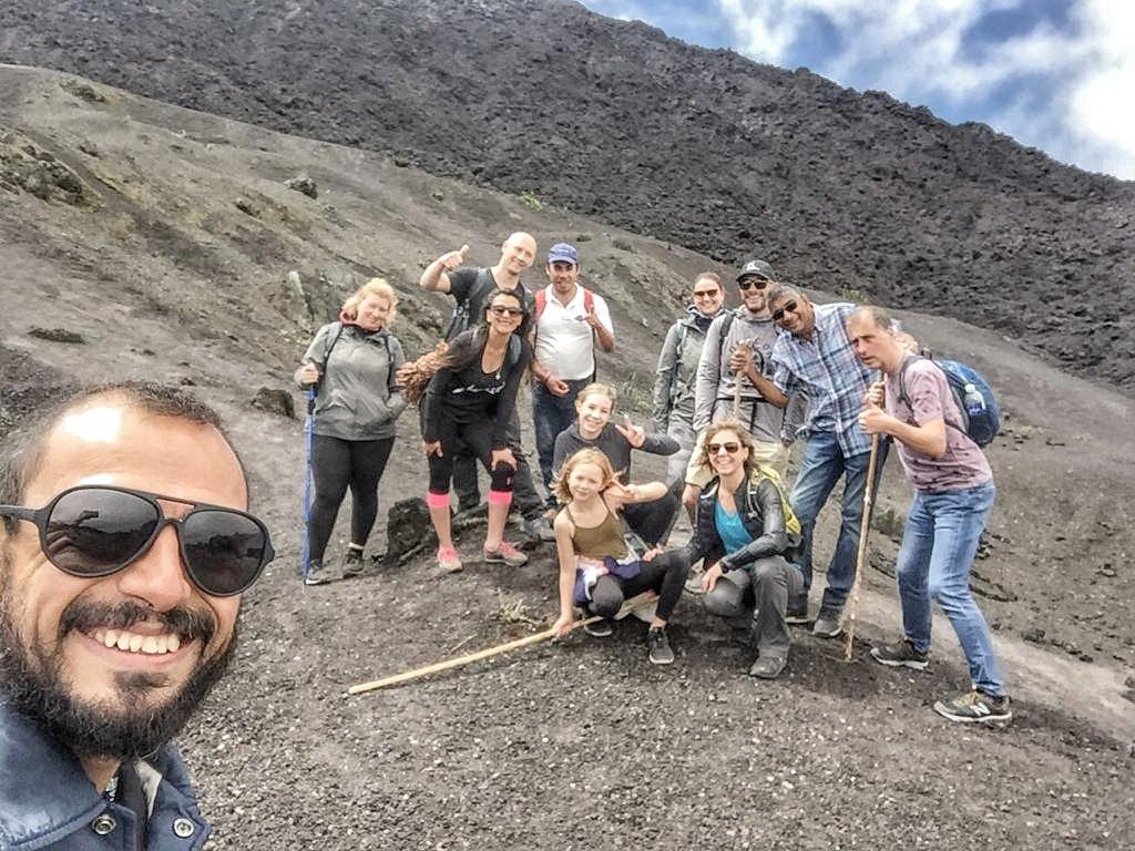 Guatemala's Pacaya Volcano #hike, enjoy the adventure with us. #PacayaVolcano #adventure #Travel #travelphotography #experience #thingstodoinGuatemala @grayline @visitcentroamer @VisitGuatemala @CAMTUR1 @CATA_AgenciaCA  @sitca_turismo @LatAmTravelist