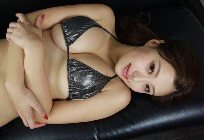 グラビアアイドル山本ゆうのTwitter自撮りエロ画像47