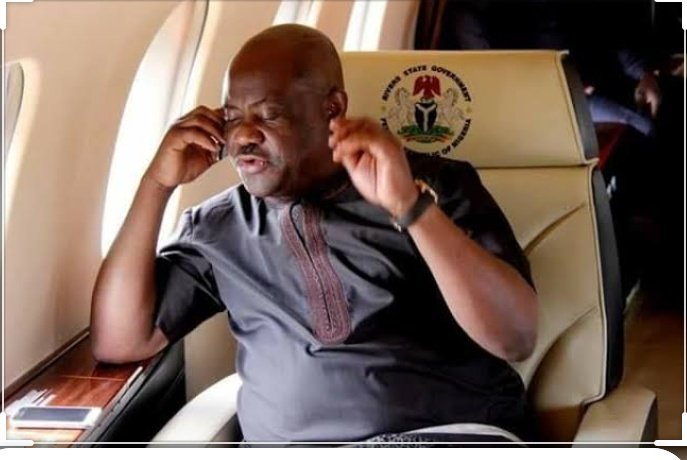 GOV WIKE : Hello S.A Tourism  SA  : Morning Sir hows Abuja   GOV WIKE : Good on my way 2 PH i had to suspend our meeting 2 be in PH. U know this weekend social media attention is on River State cos of our Daughter so fix everything in order   #TachaPH1stDaughter #TachaHomecoming<br>http://pic.twitter.com/c6Simr3Lec