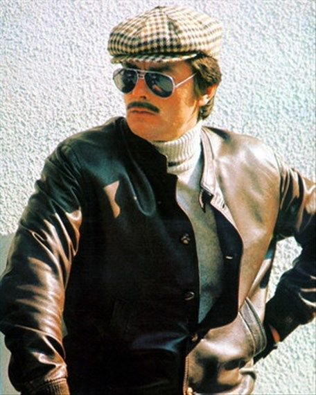Parisian incognito, but still chic. Happy Birthday Alain Delon.