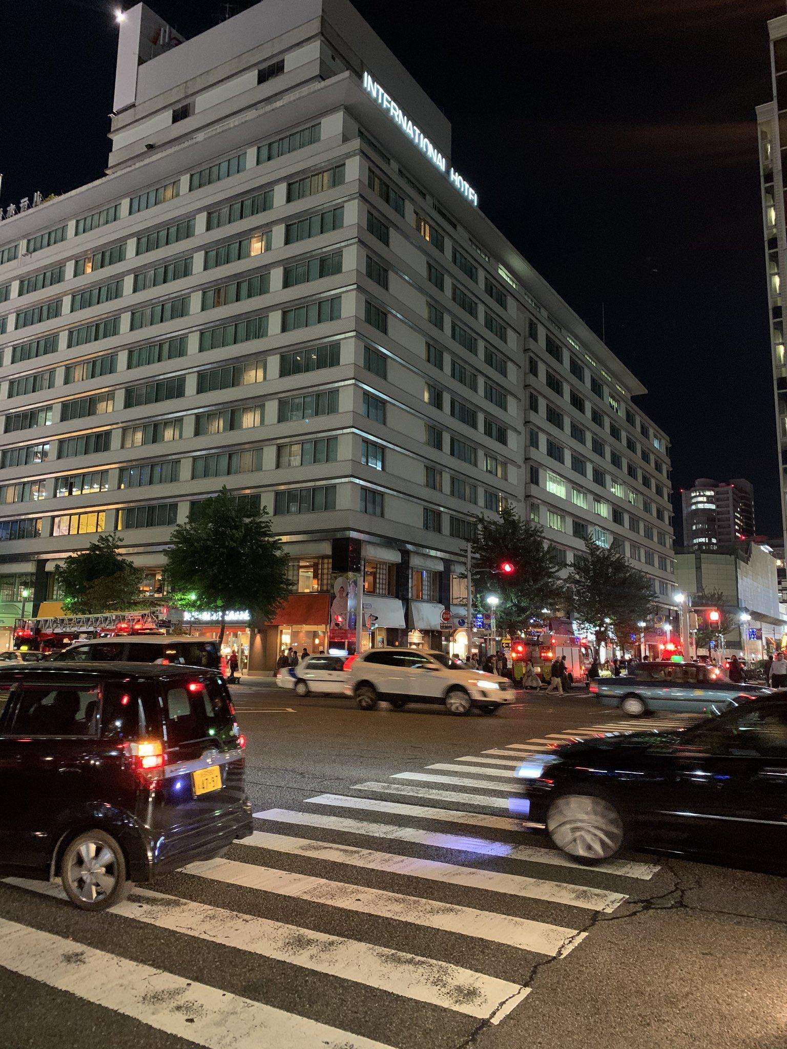 画像,栄の国際ホテルで火事?消防車が集結中 https://t.co/Vh0gNDmeMd。
