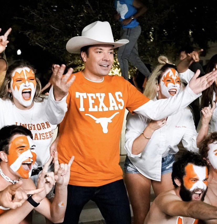 #KISSisEverywhere! Jimmy Fallon @FallonTonight with University of Texas students. Thanks to Taylor Roland @TAR_2017 for sharing with us.