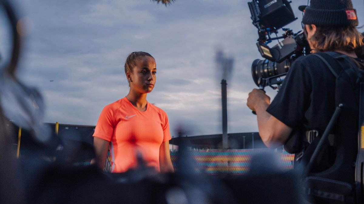 With her lightness off the pitch and bold fighter attitude on the pitch, Giulia Gwinn is inspiring girls to believe in their dreams, wherever they may take them. You never do it just for yourself. #justdoit #nikefootball #nikesoccer