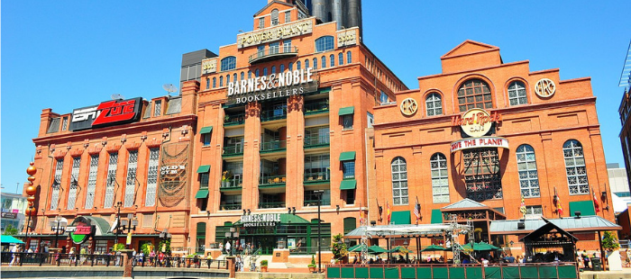 US publishers and independent booksellers alike are rooting for Daunt. @BNBuzz is effectively the last major barrier standing to Amazon exercising monopoly domination of the US book business: bit.ly/2oUZY2T (£)