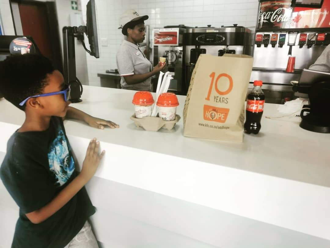 Dear @kfcsouthafrica my son is deeply touched by your spirit of Ubuntu with the #KFCProposal #KFCWedding and requested we give back by purchasing KFC this afternoon. Here's to a united South Africa. Enkosi Kakhulu! <br>http://pic.twitter.com/eq45JbBsvq