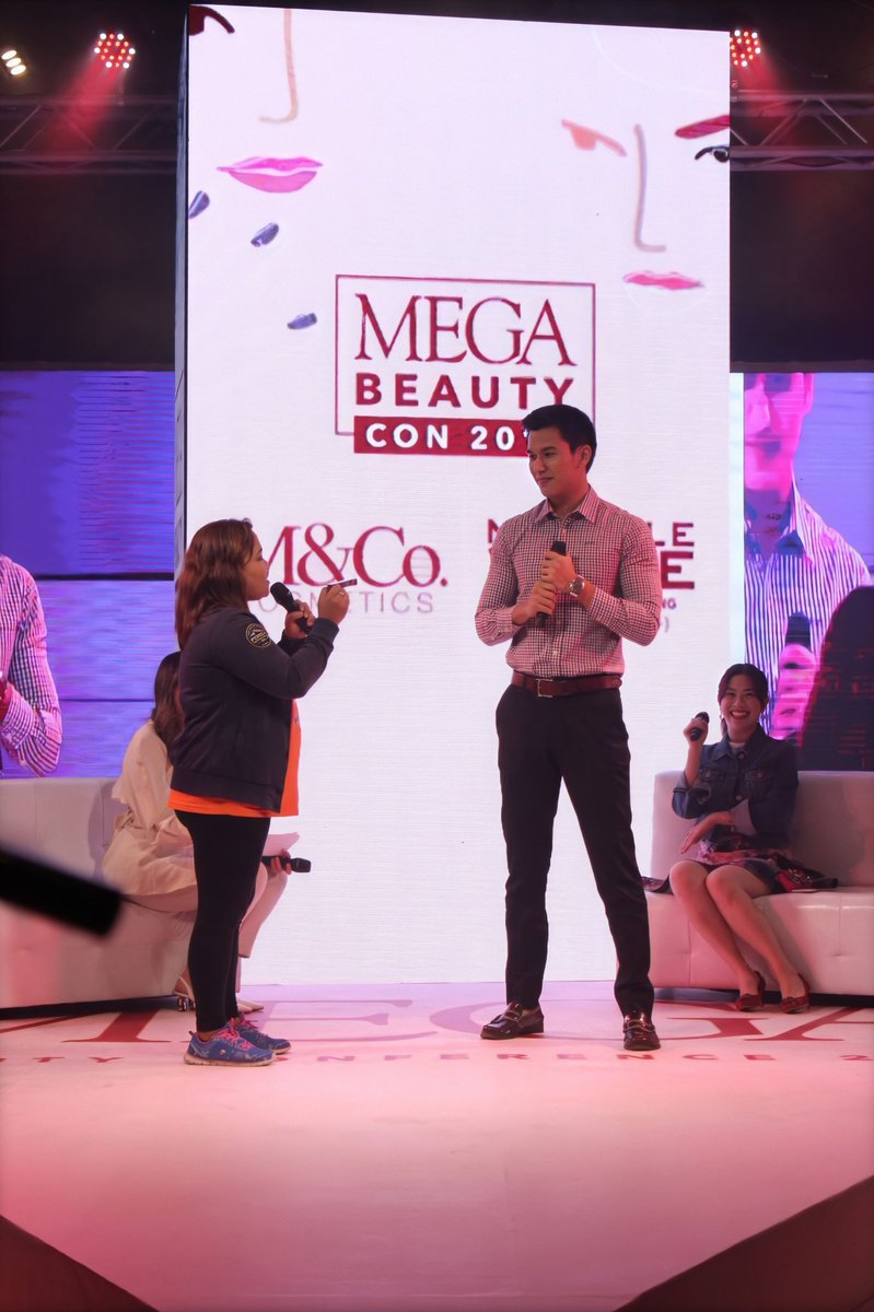 Thank you MEGA for letting my sister and I talk about our businesses! Thank you to everyone that went :)  #megabeautycon2019 <br>http://pic.twitter.com/ZACMWt6nI1
