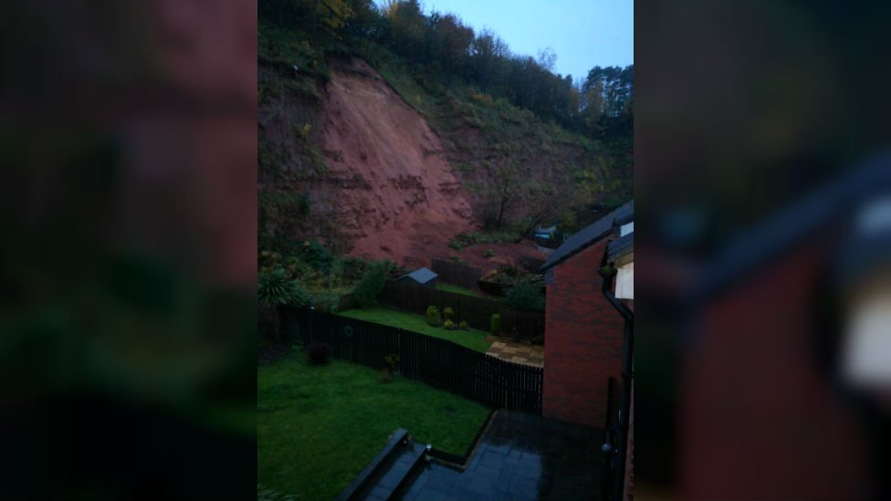 Residents still unable to go home after Mansfield mudslip bbc.in/33pCq5j