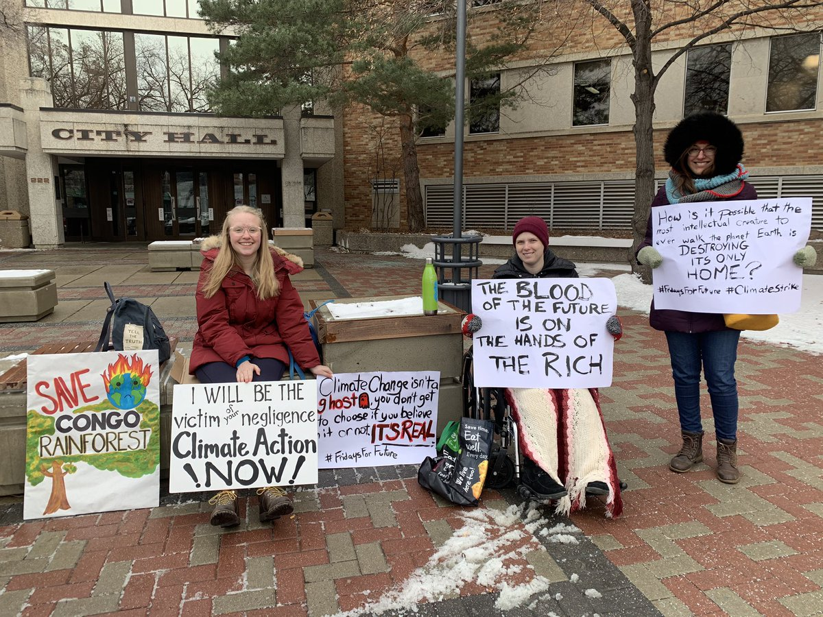 Week 7. We keep fighting (two other lovely climate strikers not pictured) 💚 #FridaysForFuture #climatestrike #Fridays4Future #ClimateTwitter #ClimateFriday #ClimateEmergency #ActNow #Saskatoon #yxe @GretaThunberg @vanessa_vash