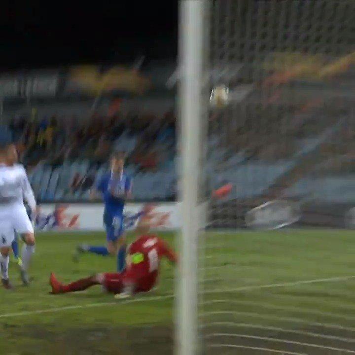 😎 The performance that earned @SevillaFC forward Munir the #UEL #POTW award ⚽⚽⚽   @Munirhaddadi | @hankookreifen