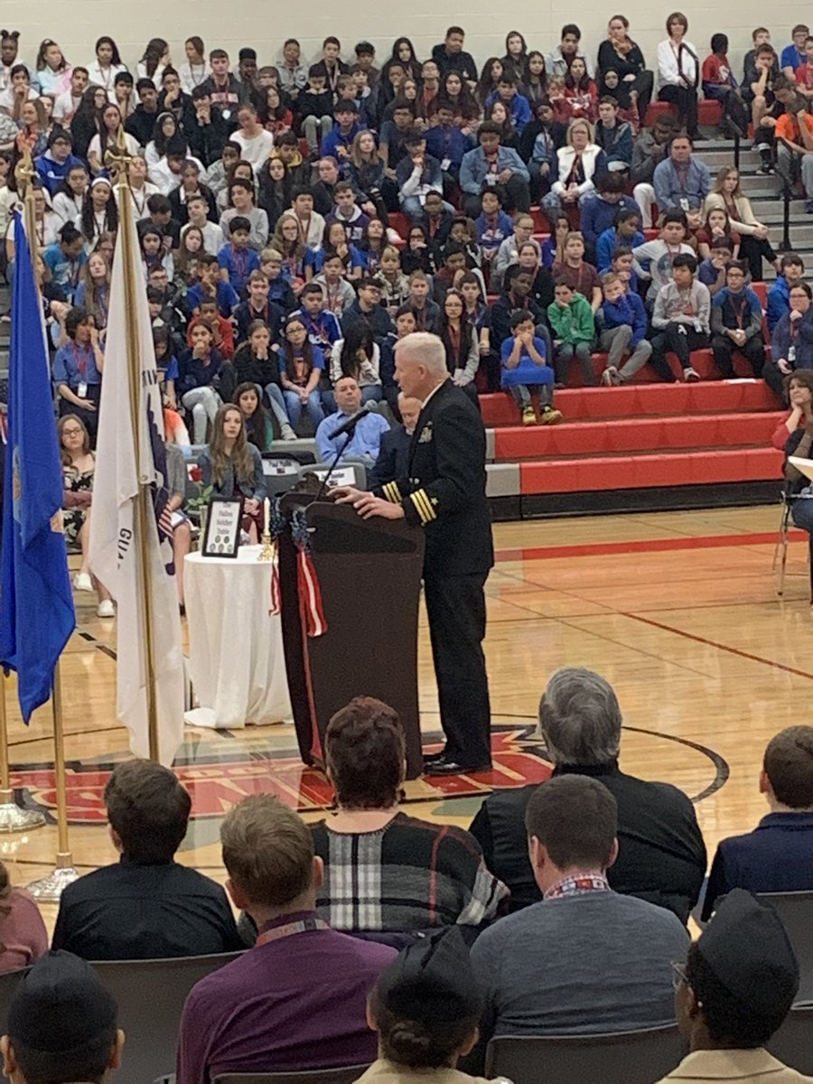 Senior Naval Science Instructor at @BulldogsHLR NJROTC, Douglas J. Groters sharing his story at the #OLHMSvets assembly. Thank you for your service and work with our NJROTC students! #olhms #d123