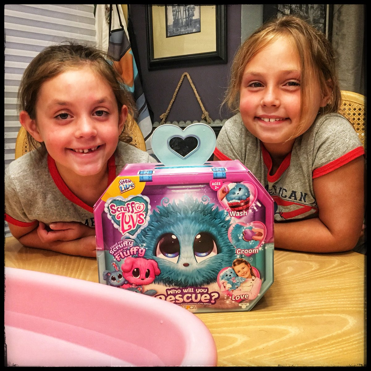 Since it's #FlashbackFriday AND we're doing a #ScruffALuvs #TwitterParty wiuth @TheToyInsider and @Moose_Toys, here's a throwback to when my girls and I opened the first Scruff A Luvs<br>http://pic.twitter.com/iqGKAa91Ld