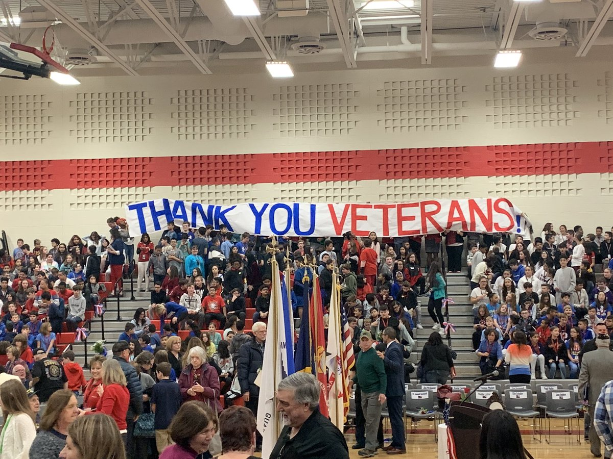 #olhms students thank our Veterans! #OLHMSvets #d123