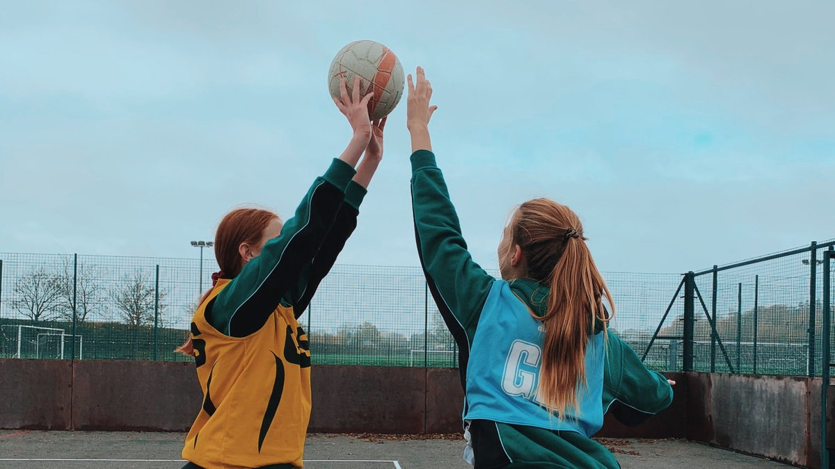 We are looking for a motivated and experienced Netball coach to join our PE Department at @SCDSchool in Chorleywood for 1.5 hours a week.  The successful candidate will coach year 7 netball teams in preparation for school fixtures and tournaments https://t.co/Ik6kHlsBwb https://t.co/unoFYawDjL