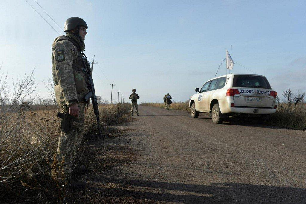 Troop withdrawals in eastern Ukraine to start on Saturday: OSCE https://www.reuters.com/article/us-ukraine-crisis-withdrawal-idUSKBN1XI147?utm_campaign=trueAnthem%3A+Trending+Content&utm_medium=trueAnthem&utm_source=twitter…
