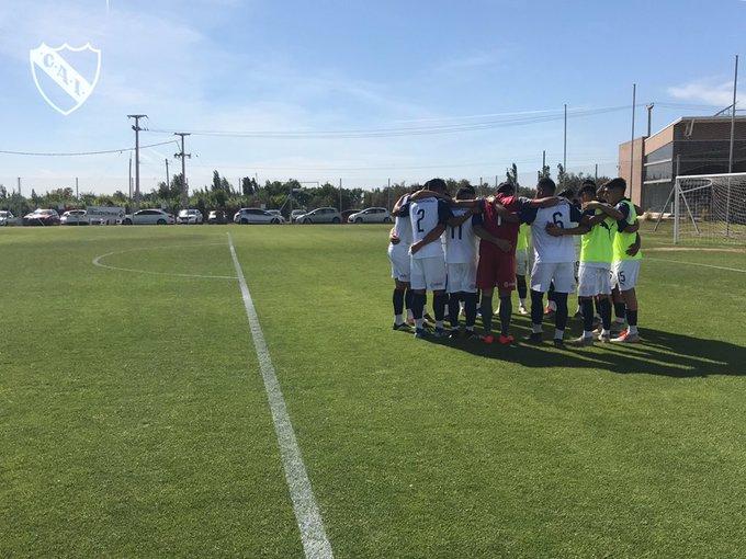 Agónico triunfo de la reserva de Independiente por 1 a 0 ante Godoy Cruz que lo mantiene solo en la punta del campeonato (Video) EI3jyG7X0AAbiwq?format=jpg&name=small