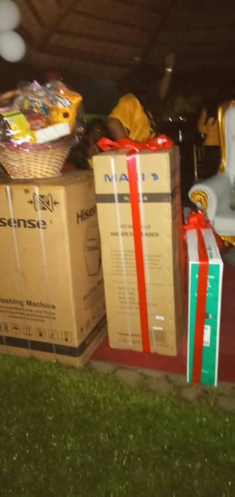 Flat screen Tv,washing machine,water dispenser,air condition,hampers,yellow chair among others. PH Titans I hail you. You finish work. God bless you all. #TachaHomecoming #TachaStormsPH #TachaVvipParty <br>http://pic.twitter.com/BigovuNQBZ