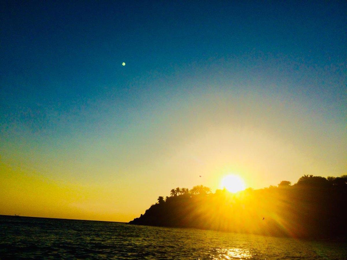 viajes!! @unforgettablegreece #UnforgettableInstagrammer pic.twitter.com/rY6UleyIuI