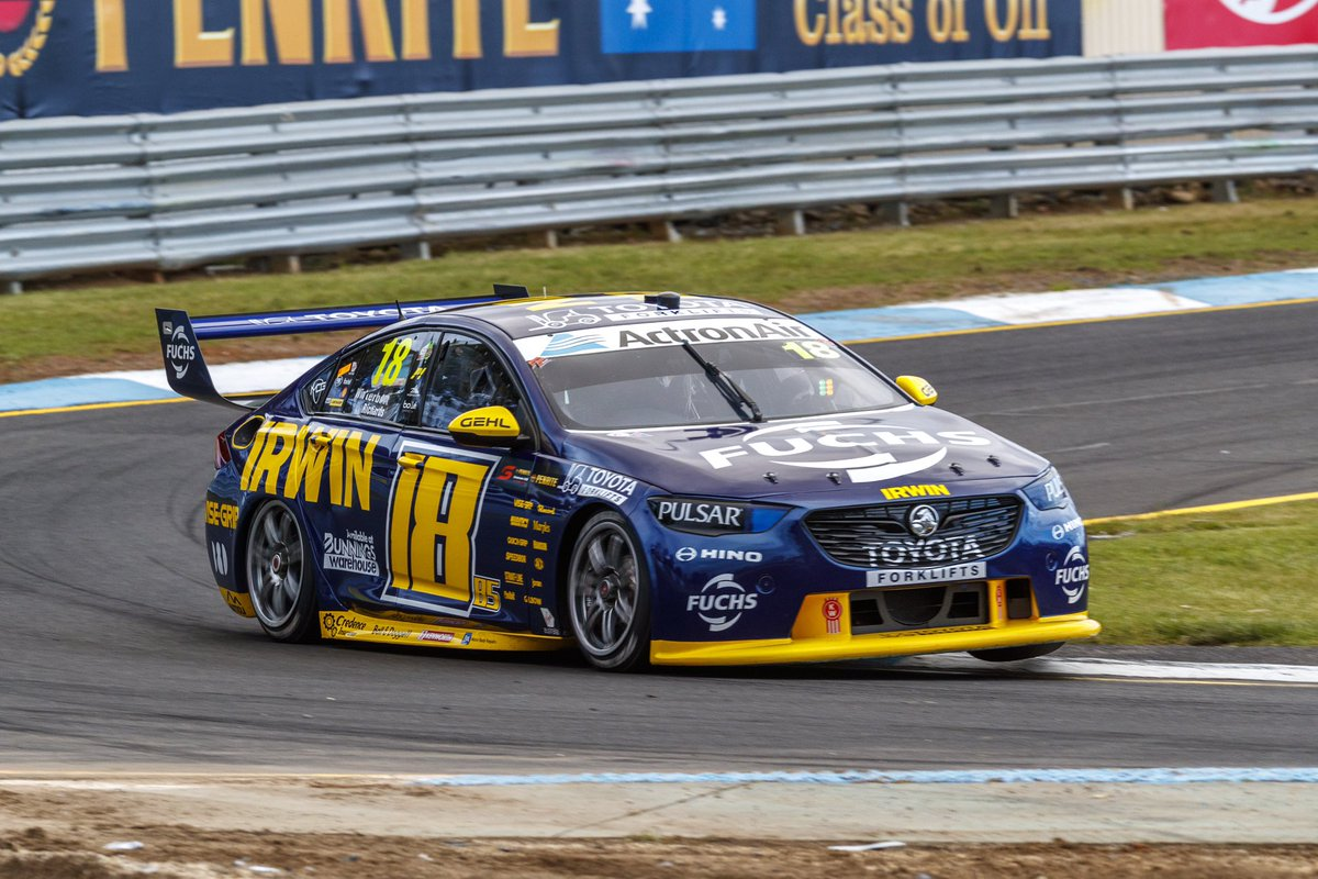 Damn, the NASCAR Livery looks good on the #18! Charlie said if we get 150 RT's he'll leave it on for Newcastle... 😱 Should we make it happen?  #IRWINRacing #VASC https://t.co/ff1b5hXm4K