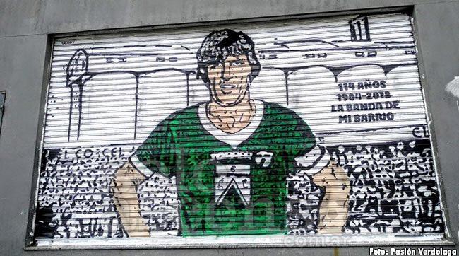 """""""Yo creo que se debe a la memoria histórica de la gente. Aquí, en Argentina, los clubes se vincularon siempre con el sentimiento barrial que no se puede privatizar y volver anónimo"""", dice Daniel Lasky, dirigente de @FerroOficial, sobre la resistencia a las S.A.D. en el país."""