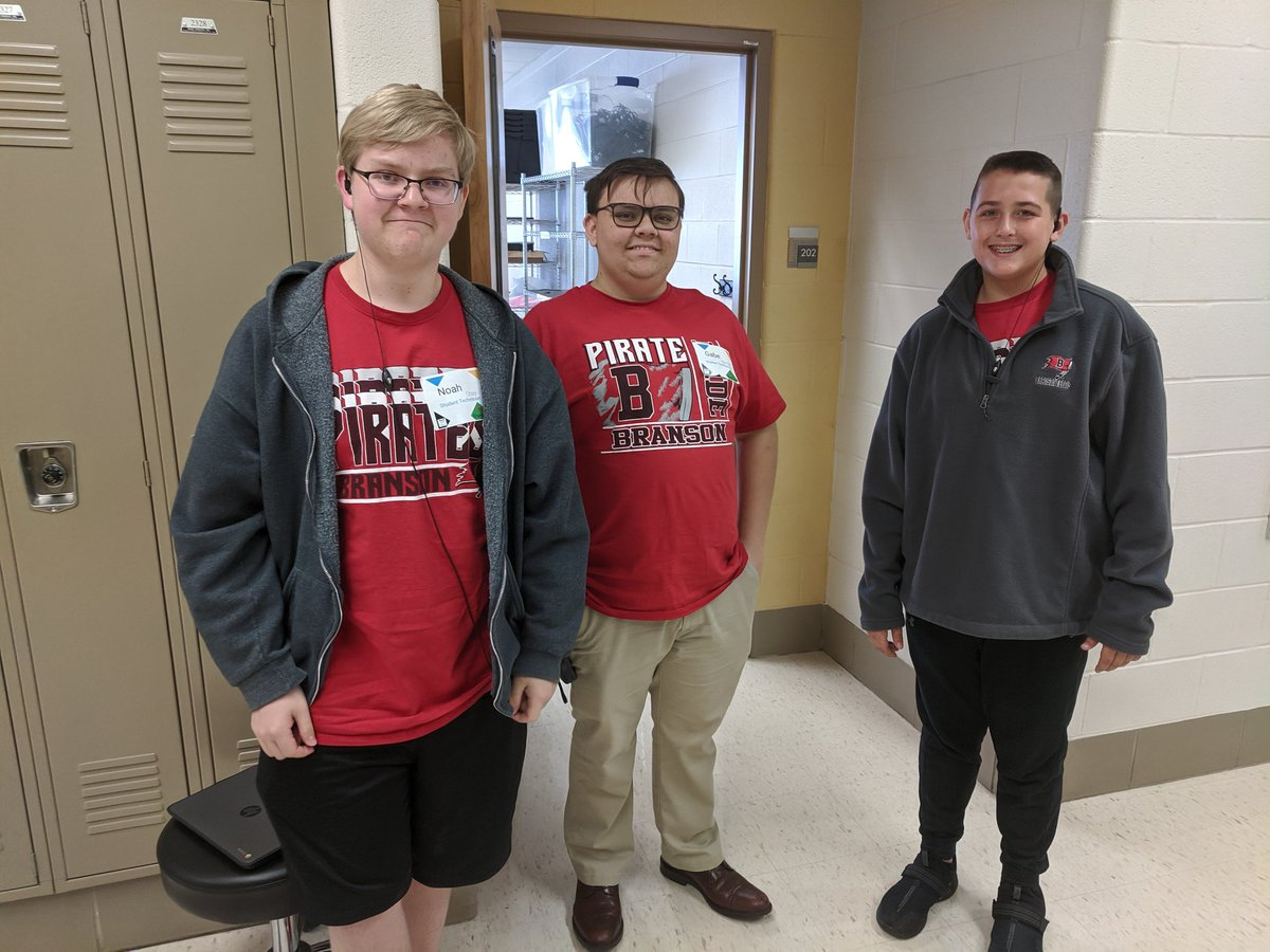 Tech Practicum learners on standby during the #TLES19 were fun to see! Thanks Mr. Howard @BransonPirates for providing leadership & support opportunities for these young men!