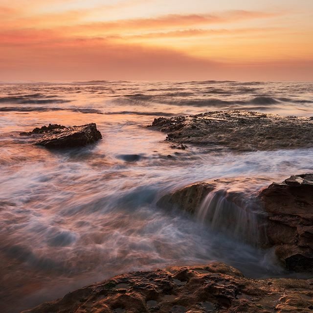 Some beautiful morning colours by the seaside. . . . . . #worldtravel #oceanview #seaside #landscapelovers #travelandlife #landscape_captures #ocean #seeaustralia #ig_shotz #master_gallery #amazing_longexpo #world_shotz #exceptional_pictures #ig_australi…