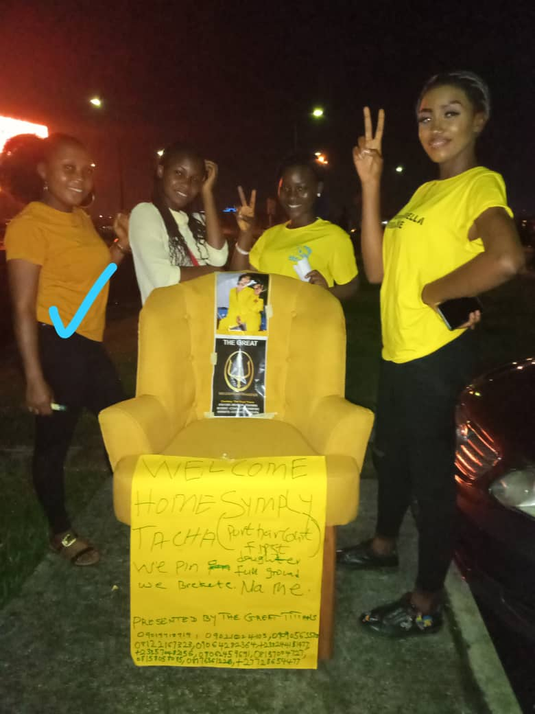 Ona no see me since morning, ona no ask of me, na so life be  Abeg today hook me o  PH Titans ona over do Wetin happen now, ona do so tey ona make yellow chair   Twale!!!!!  #TachaStormsPH #TachaVvipParty <br>http://pic.twitter.com/erazzYBJ0y