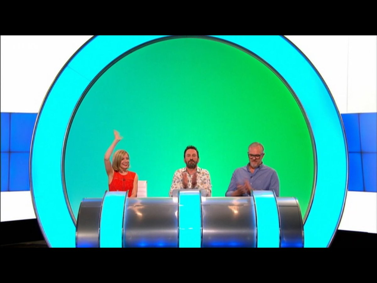 I have never seen anyone so thrilled to be on #WILTY as Lucy Worsley. It was delightful the way she waved at the audience when being introduced. 😀 Her smile is absolutely lighting up the programme. #lucyworsley