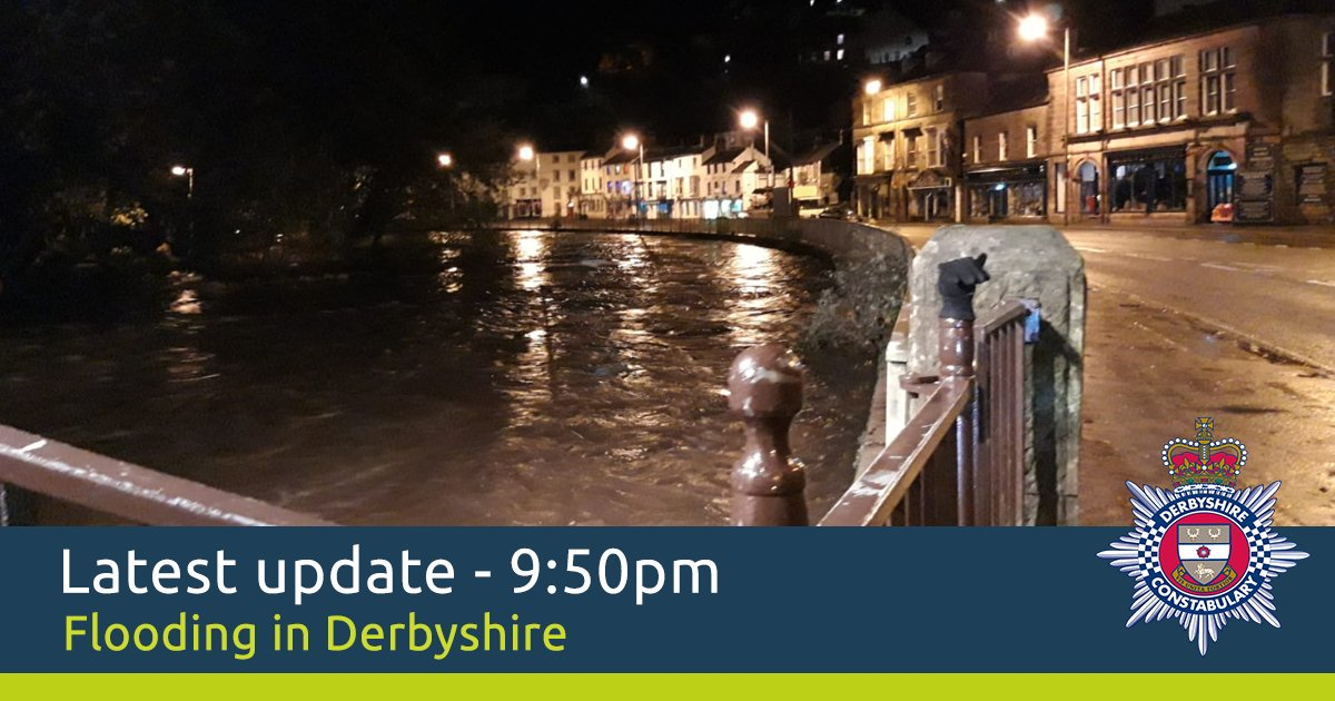 Temperatures are dropping throughout the county and this dip could lead to icy road surfaces for motorists across #Derbyshire tonight. Gritters are out spreading salt but we would caution anybody having to travel anywhere to take extra care and drive to the conditions.
