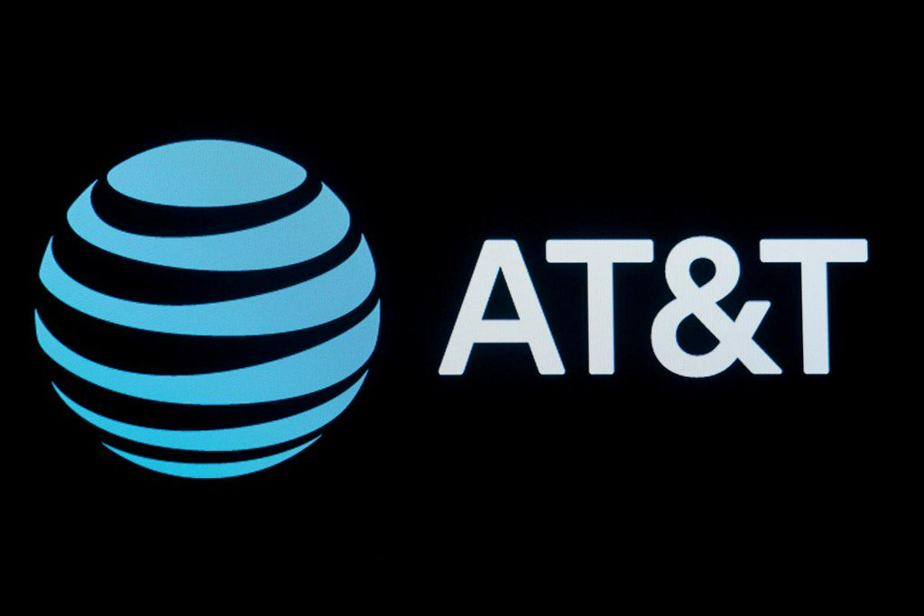 FCC orders station groups to negotiate with AT&T in DirecTV dispute https://www.reuters.com/article/us-fcc-att-broadcasting-idUSKBN1XI1YY?utm_campaign=trueAnthem%3A+Trending+Content&utm_medium=trueAnthem&utm_source=twitter …