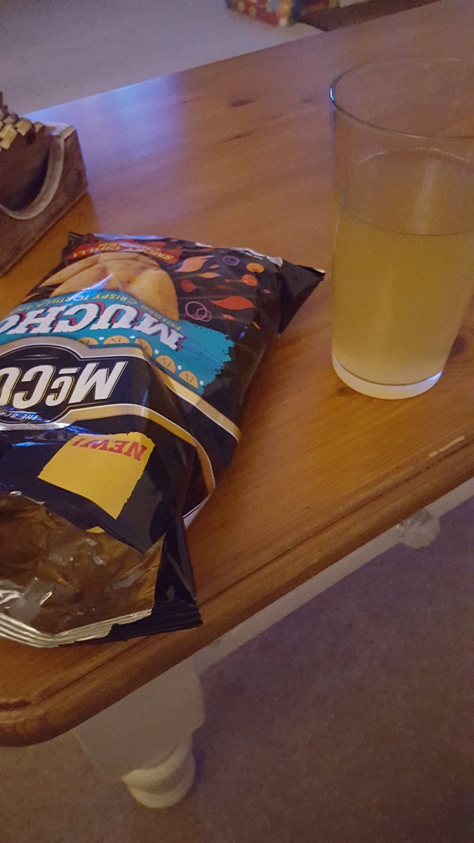 10k Friday run done, kids in bed and the other half is out. So time for some Muchos and a pint of @WestonsOldRosie. #liveyourbestlife <br>http://pic.twitter.com/qoV9EBl6XD