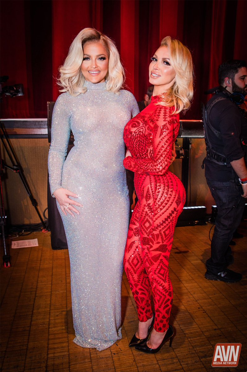 #FBF to @Alexis_Texas and @nikkibenz at the 2019 #AVNAwards